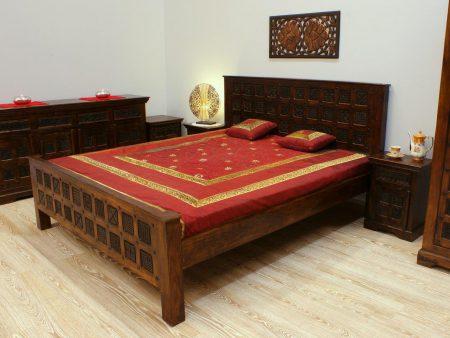 Łóżko kolonialne lite drewno akacja indyjska ręcznie wykonane rzeźbione metalowe detale