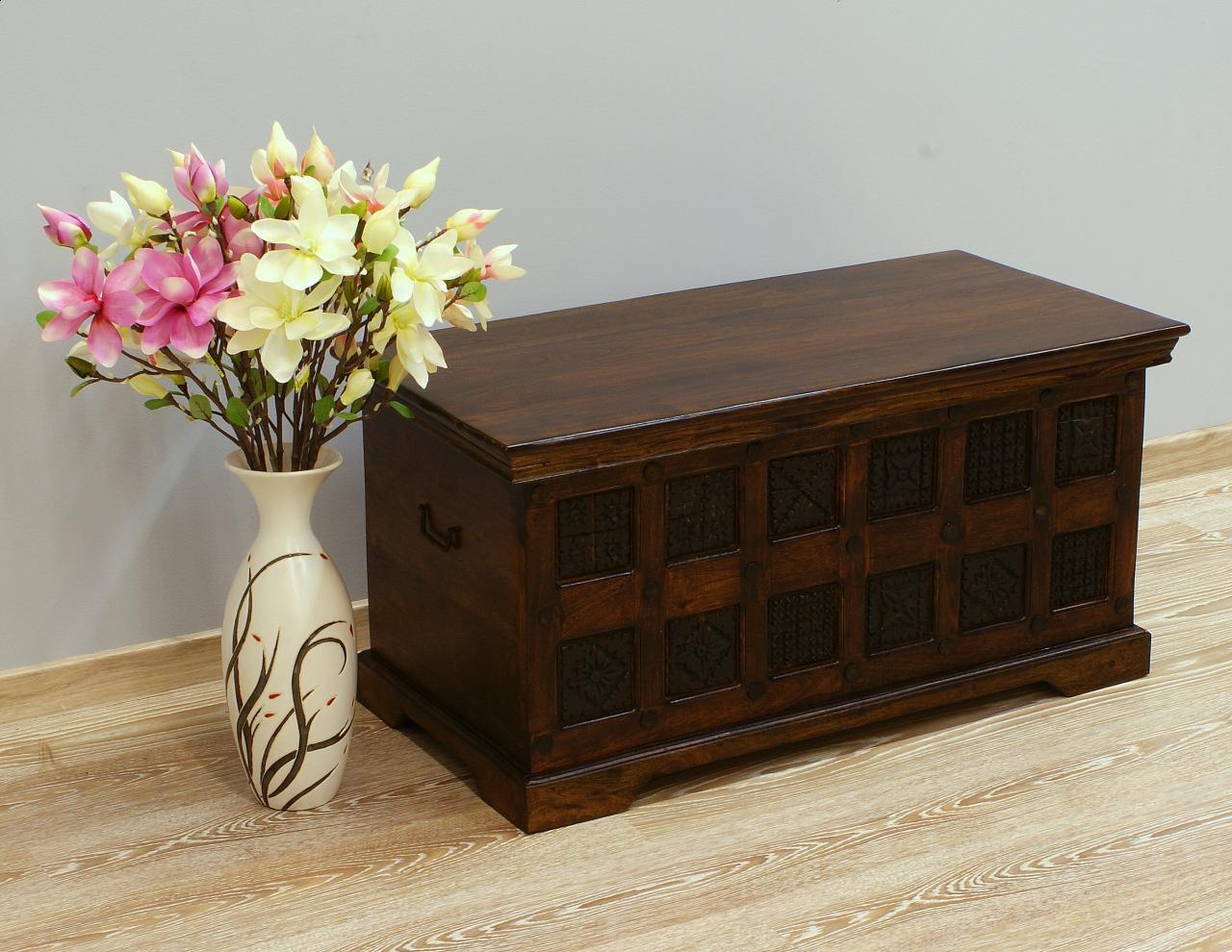 Kufer kolonialny lite drewno akacja indyjska ręcznie rzeźbiony mały