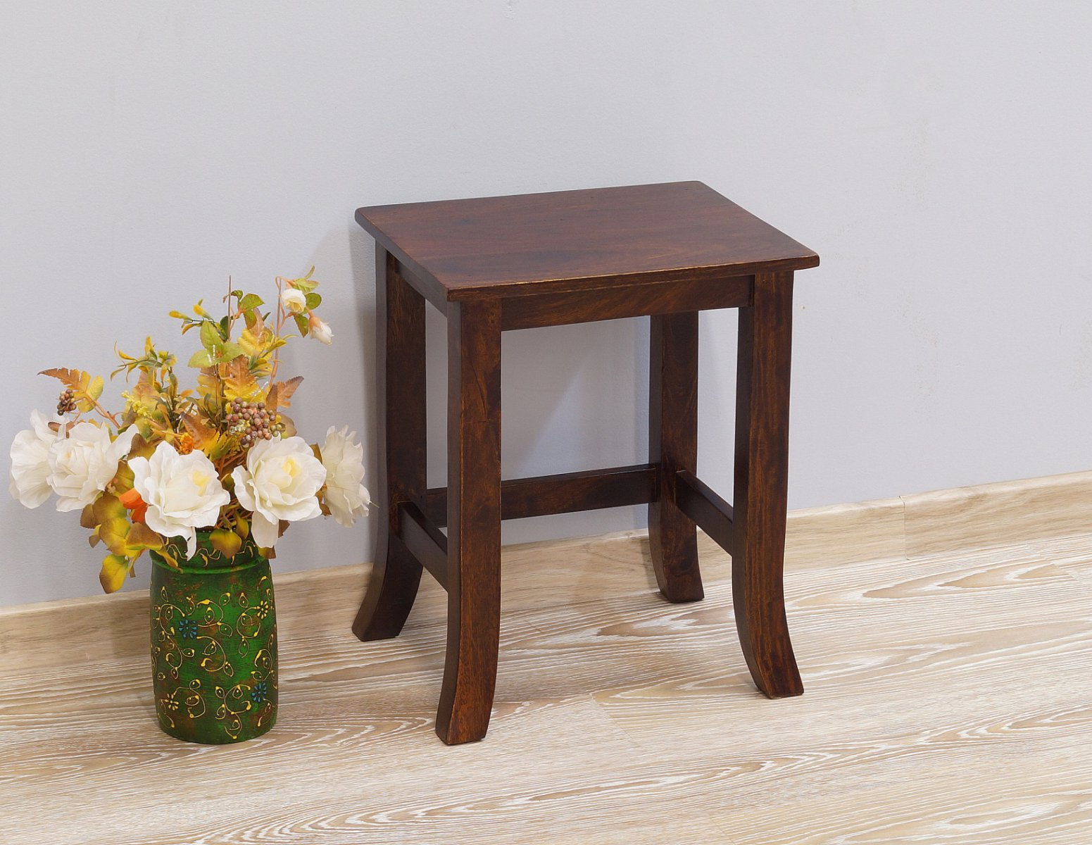 Stolik kawowy kolonialny lite drewno palisander indyjski gięte nogi klasyczny średni ciemny brąz