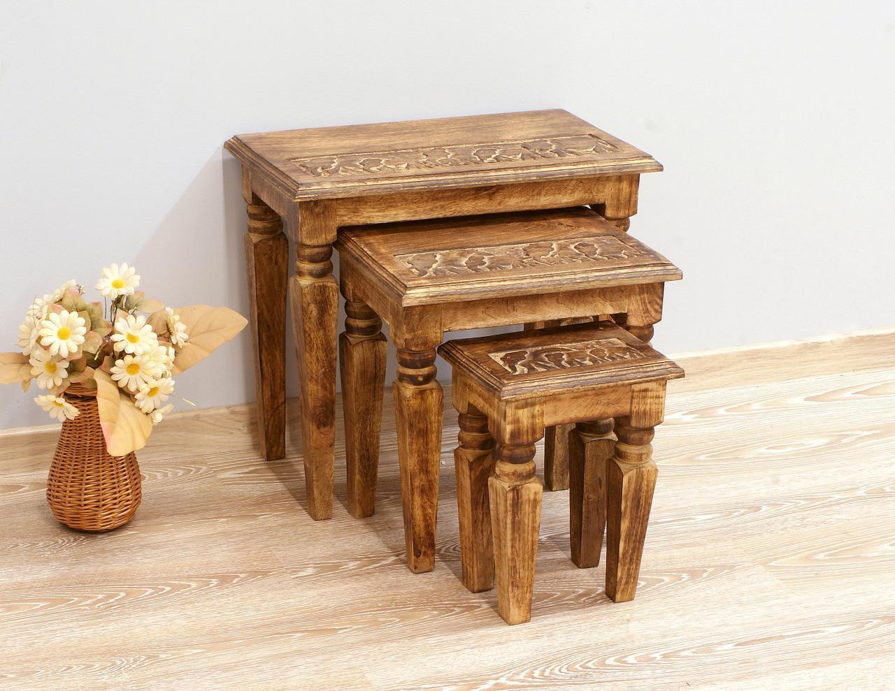 Stolik stołek taboret indyjski lite drewno mango rzeźbiony zestaw 3 sztuk