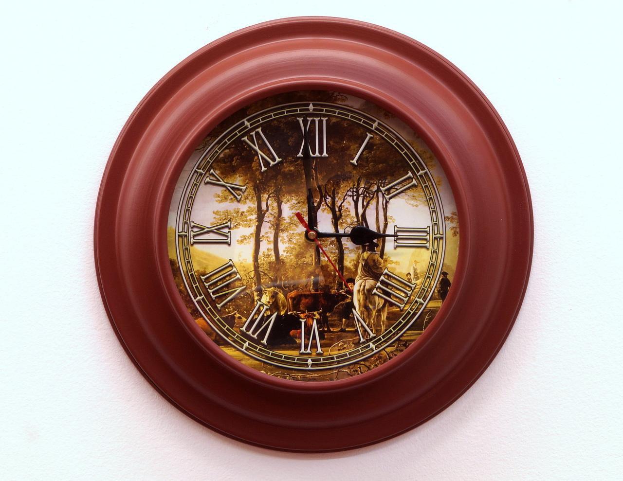 Zegar ścienny okrągły metalowa rama dekorowany cyferblat rzymskie cyfry stylowy