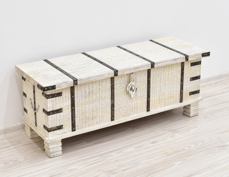 Kufer kolonialny skrzynia lite drewno mango recznie malowana bielona z okuciami